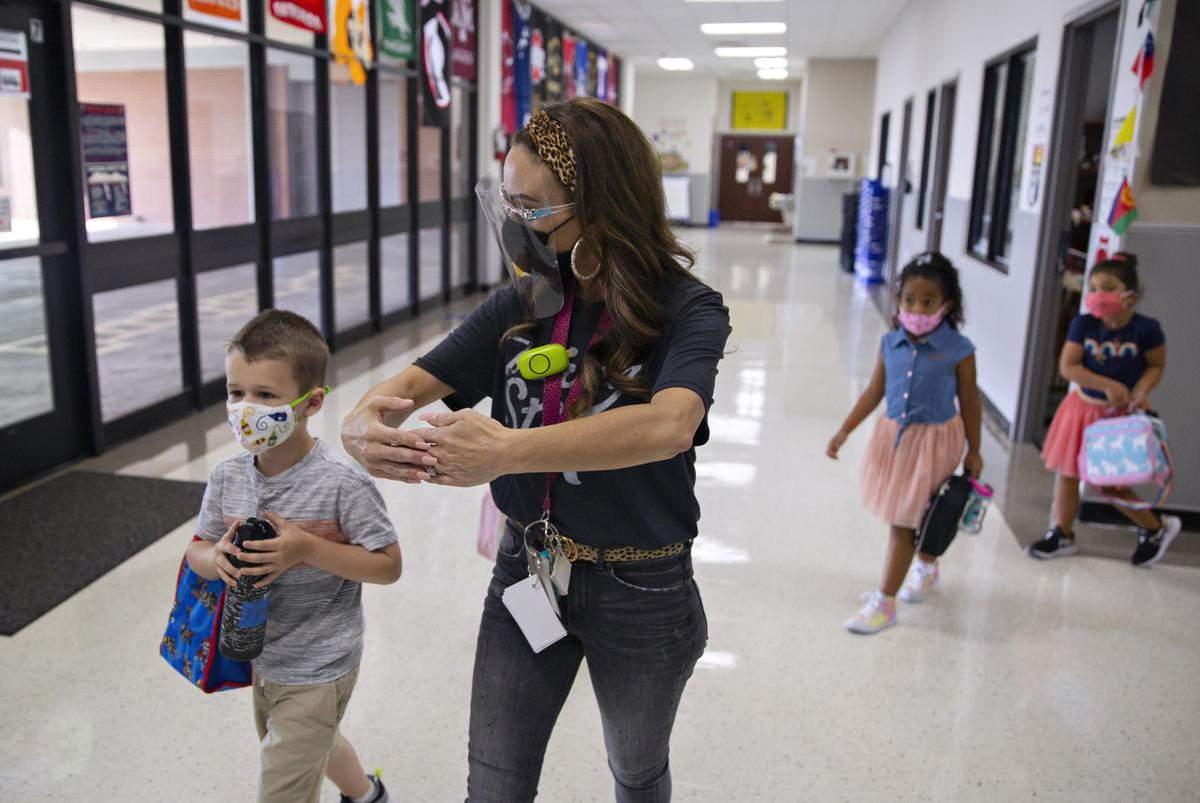Texas teachers can get COVID-19 vaccine; San Antonio's 'Youth of the Year'; teach moon phases with Oreos